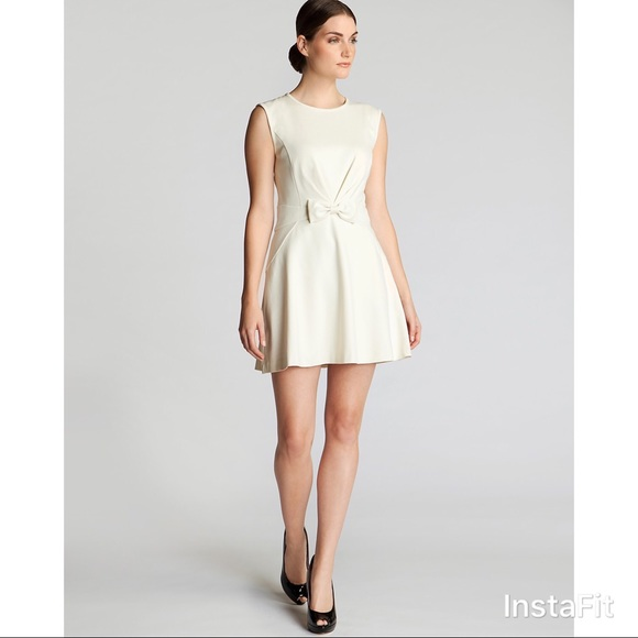 3ab61ffd3fcb6 ... Ted Baker Ivory Aruna Bow Front Dress Size 4 super cheap 08620 ad2de  ... Ted Baker Triksi A-line Scalloped Panel Skater ...